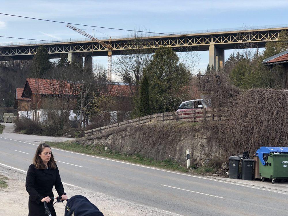 """Man nennt sie die """"White Bridge"""" – strahlt in der Abendsonne"""